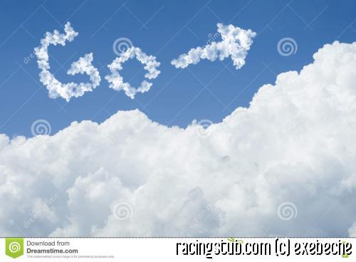 beau-ciel-bleu-et-nuage-blanc-jour-ensoleillé-cloudscape-fermez-vous-vers-le-haut-du-nuage-le-texte-disparaissent-allez-au-futur-81086251.jpg